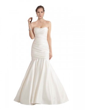 Shop Ivory Mermaid Long Amina Wedding Dress Canada